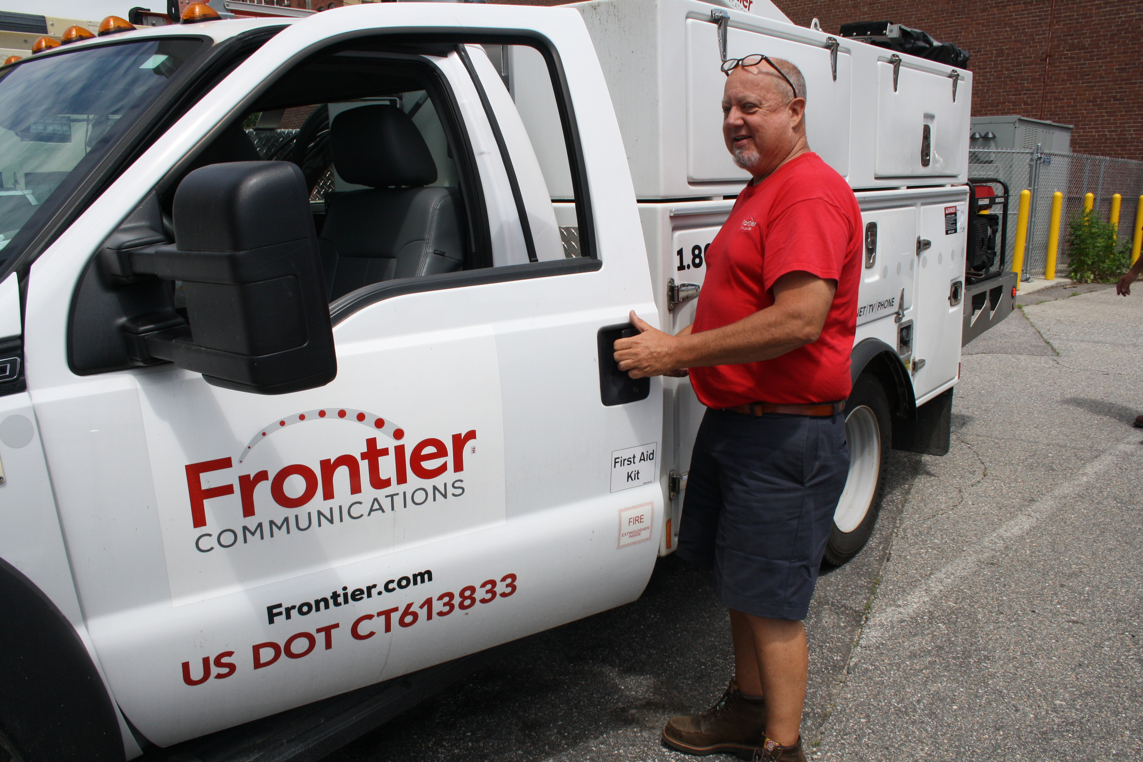Frontier Sells Building To Pension Fund Cwa Local 1298 Ct